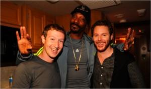 """ความสำเร็จ ต้องเริ่มจาก """"ฝันที่ยากจะเป็นไปได้""""  - มาร์ก ซักเคอร์เบิร์ก ผู้ก่อตั้งเฟซบุ๊ก"""